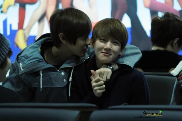 121201-airport-fr-hk-to-kor-chanbaek-2